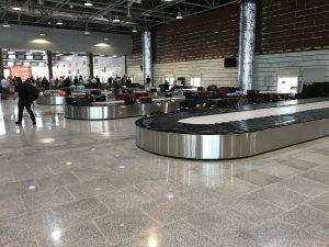 Havaalanı karousel konveyör